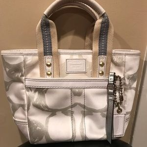 Coach Hamptons Weekend Tote Purse Bag Used